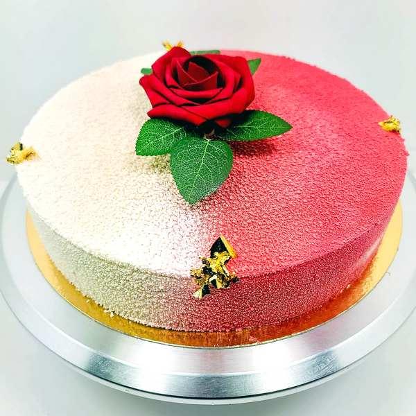 Mousse vanille comptée fraises fruits exotics gâteaux livré à domicile 75 77 92 93 94 95