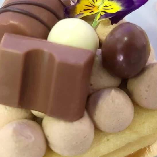 Heart Cake Kinder Bueno® Nutella®, pâtisserie individuelle vendue en ligne