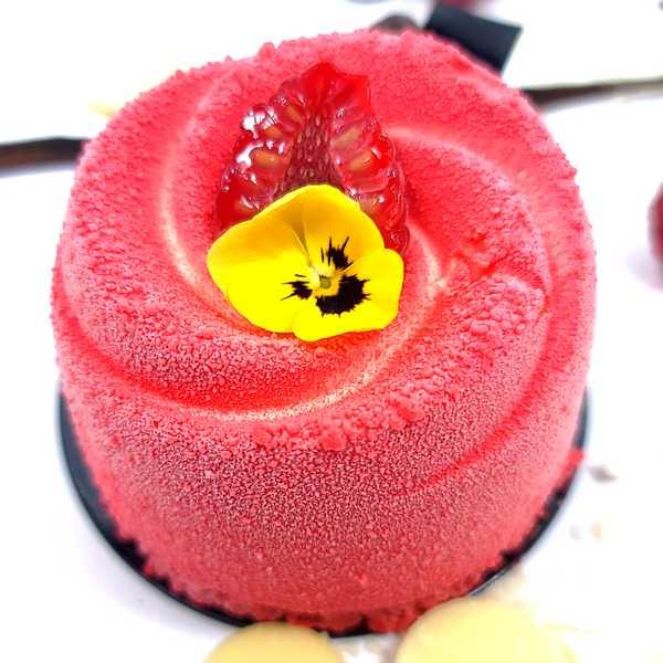 Pink flower banane Chocolat, pâtisserie individuelle livrée à domicile