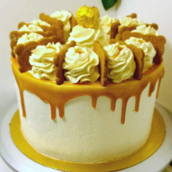 Layer Cake Gourmand Caramel au beurre salé, cacahuètes torréfiées et spéculoos